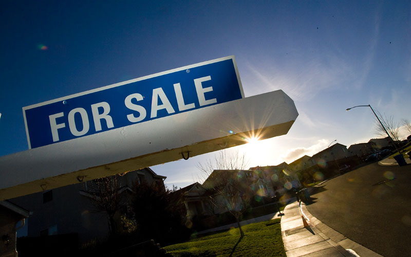 Home sales fall further in August: CREA