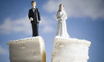 Underwriting leaving divorced buyers behind