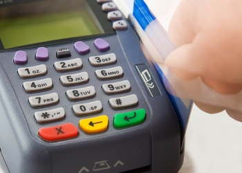 Brokers win unsecured credit card program