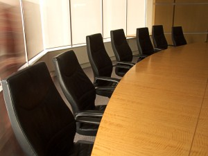 Seat staff at a round table