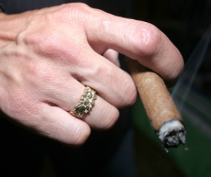 Ex-smokers earn more than non-smokers