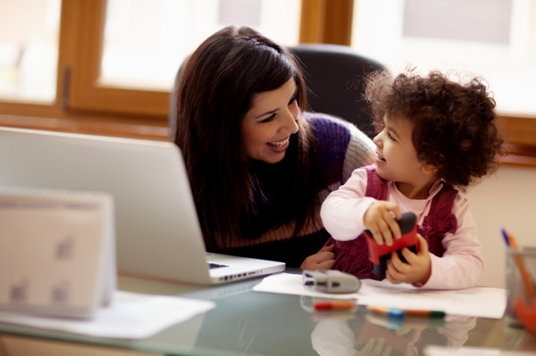 Canadian mothers missing from labour market
