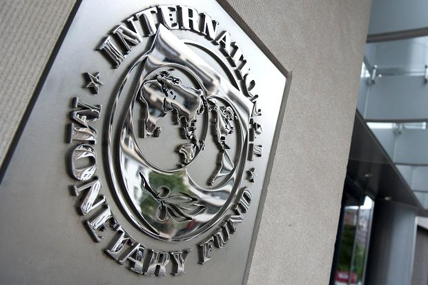 IMF slightly alters real estate prediction