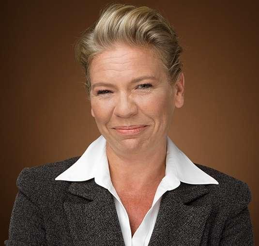 Wealth Professional's Top 50 Advisor: Léony deGraaf Hastings