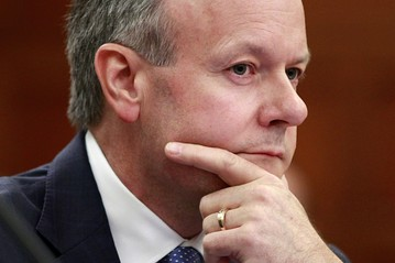 Poloz gives little away on interest rates