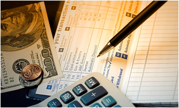 Judge demands advisor hands over tax return, credit card statements