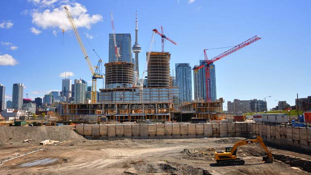 New condo construction in Toronto boosts housing starts rate nationwide