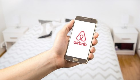 Airbnb to collect taxes from BC homeowners
