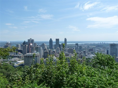 Luxury condos rise in Montréal's skyline