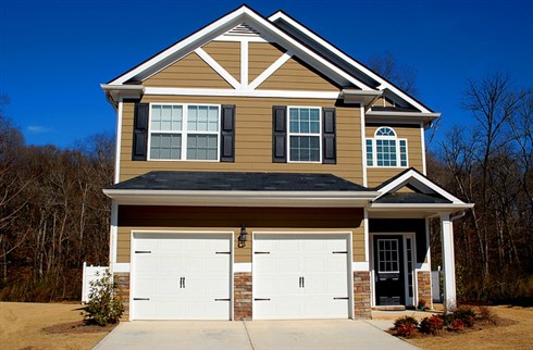 National average sale price declined year-on-year in March