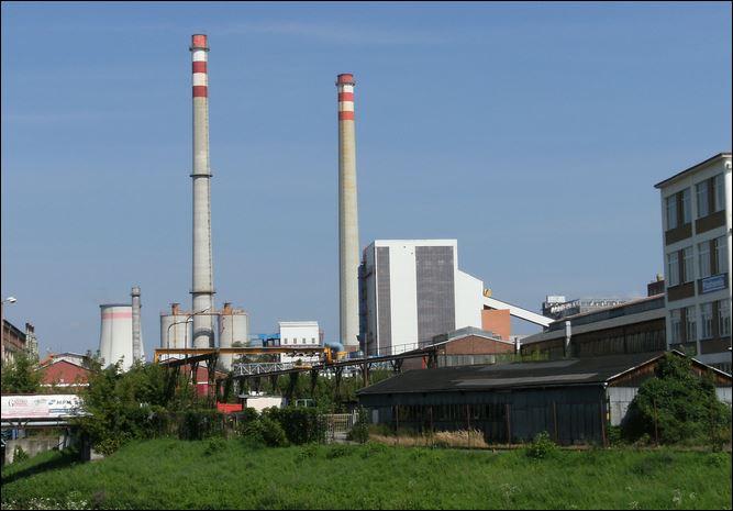 Weak factory activity despite low dollar