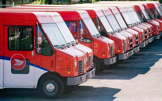 Canada Post accused of union-busting