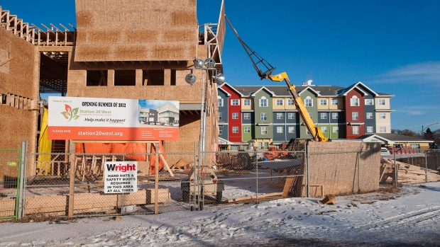 BoC official warns that government is overexposed to housing market