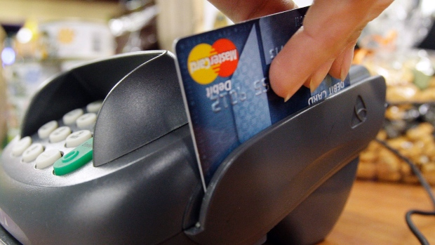 Bank of Canada continues to worry about household debt