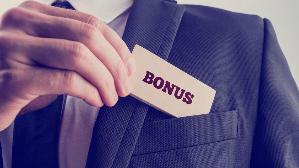 Dismissed employee entitled to bonus payment