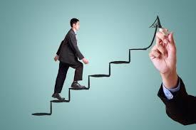 How are organizations improving leadership development?