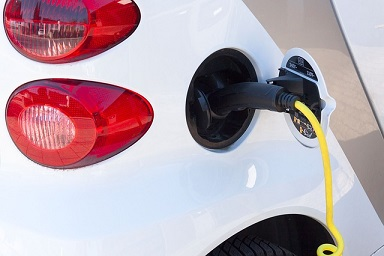 Electric cars not a harbinger of oil's demise: Brandes analyst