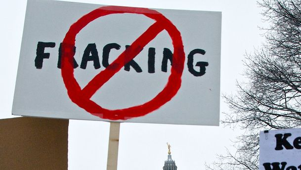 Nova Scotia bans fracking