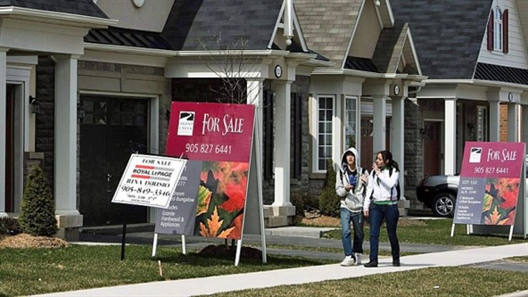 CMHC says housing market red flag remains