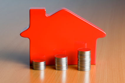 ​BoC warns of overvalued housing market…but prices are easing?