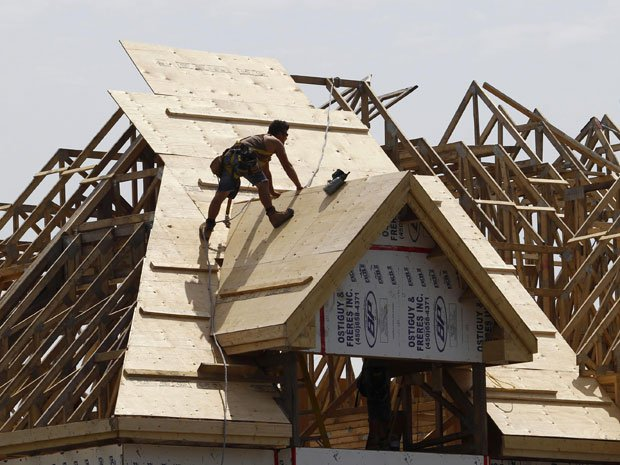 Residential building permits fall in latest report