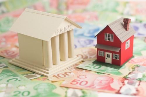 High consumer debt, housing market pose risks to financial system