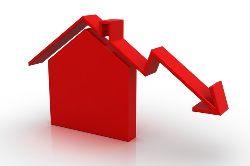 New house prices down slightly after 3 months unchanged
