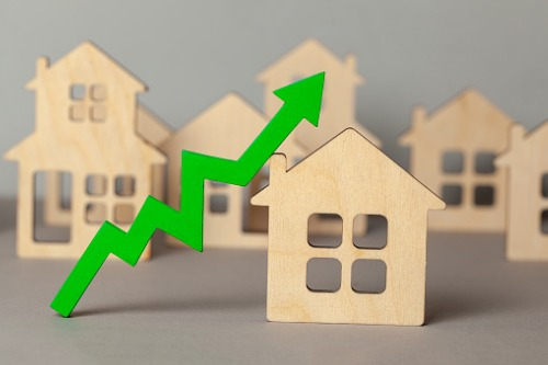 GTA detached housing market improves from last year