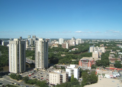 Unoccupied Manitoba social housing high-rise up for grabs