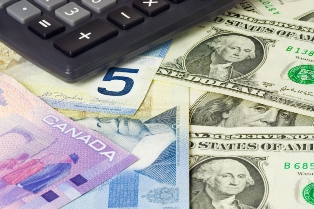 Loonie rises against U.S. dollar after Trump remarks