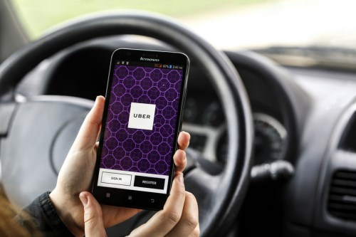 Uber drivers in Ontario now insured automatically