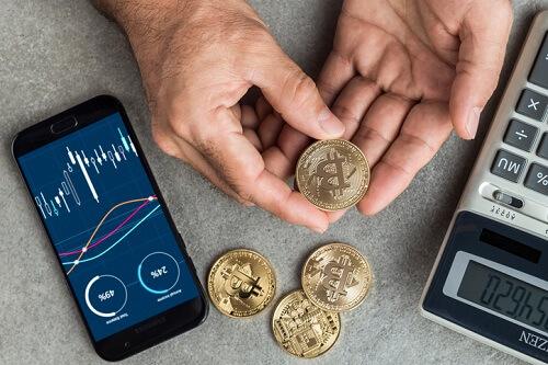 Bitcoin stumbles as Facebook's crypto plans draw flak