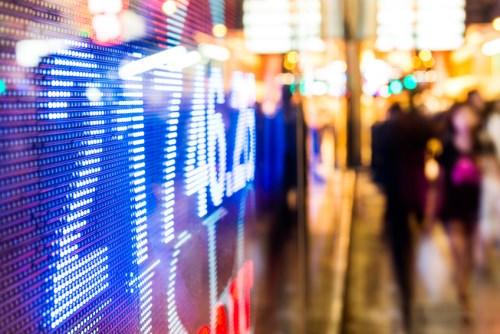 Daily Wrap-up: Oil slumps, Clinton probe hits Wall Street