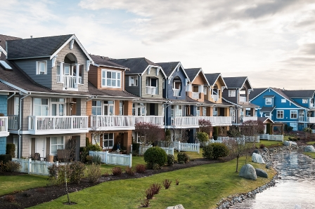 Condos, townhomes push Metro Vancouver real estate sales above August average