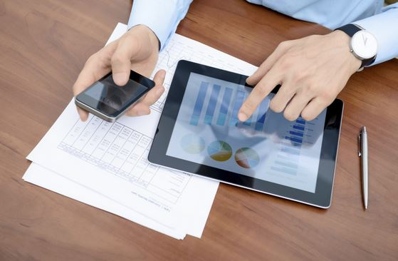 Financial advisors get digital
