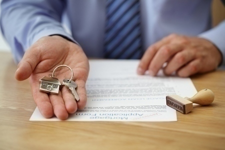 Mortgage insurers and lenders to follow new rules