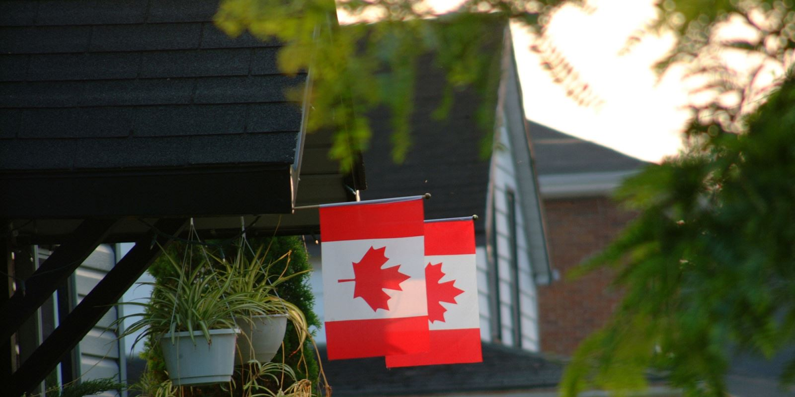 Foreign buyers are taking over…but it's Canadians in Florida