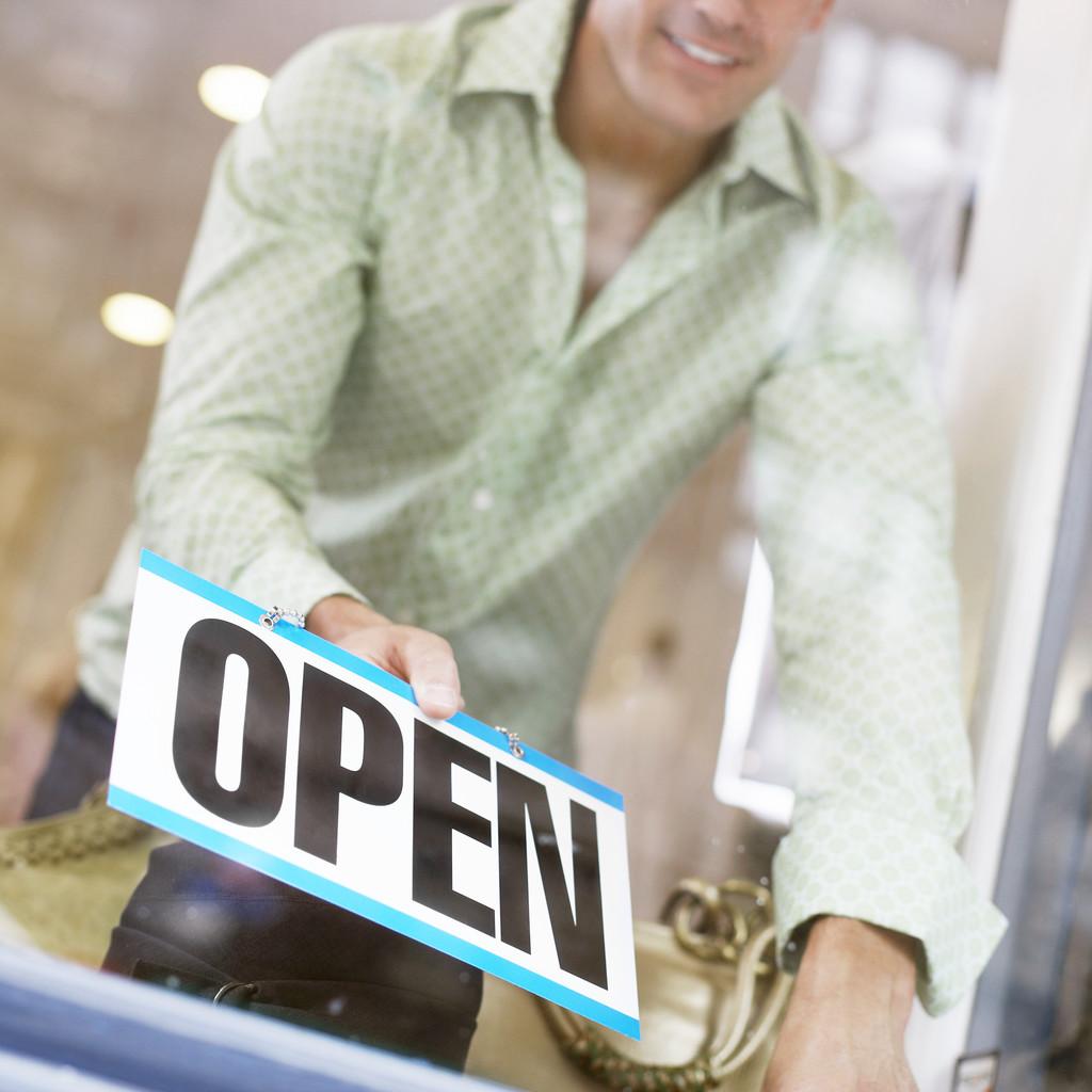 Leading broker founds new brokerage
