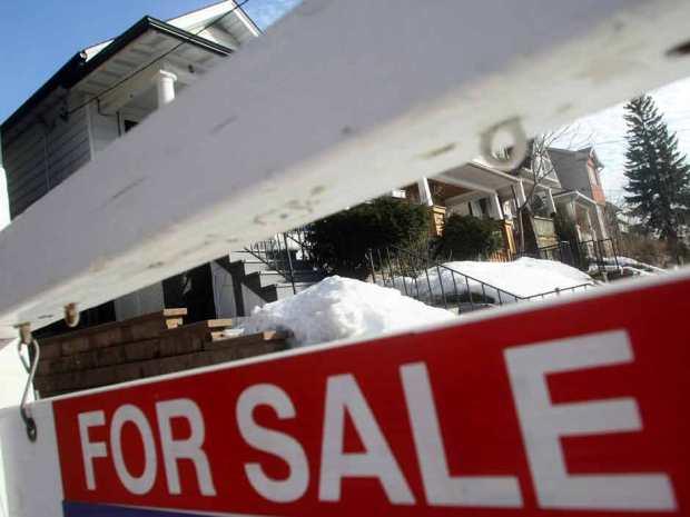 Ottawa is focused on reducing exposure to mortgage market says economist