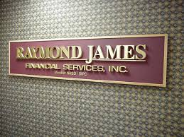 New private client strategist at Raymond James