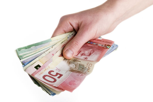 ​Weekly wages stagnant for October says StatsCan
