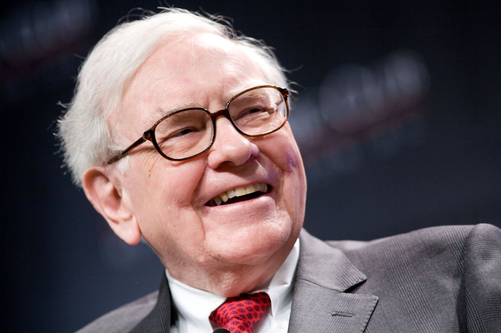 Warren Buffett criticizes Keystone XL delay
